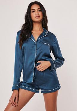 Pijama corto con detalles ribeteados azul