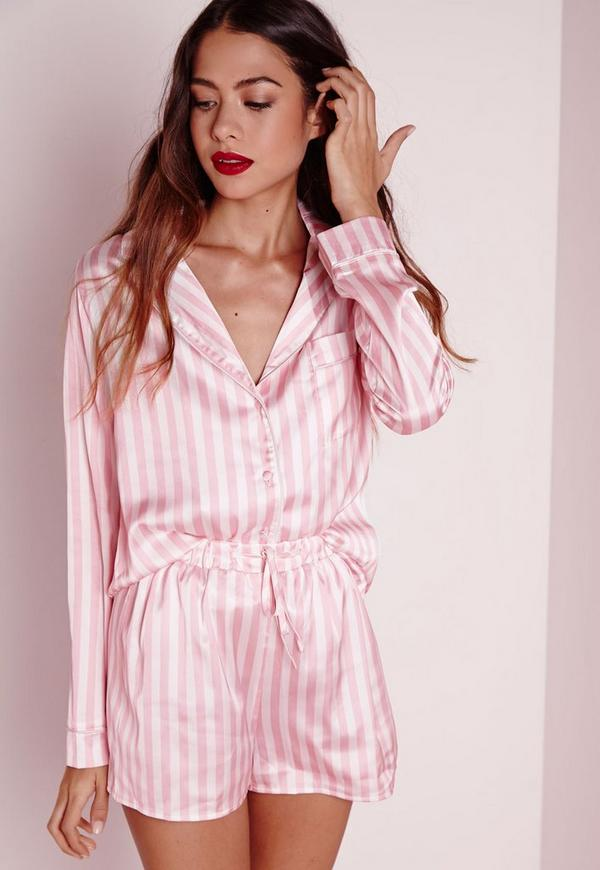 Our tall sleepwear collection features a variety of matching pajama sets in cute gingham, floral and stripe prints, as well as a number of cotton separates that you can mix and match, including light camis and long-sleeved tops, keeping you covered for every season.
