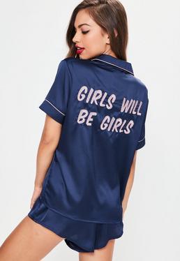 Pyjama brodé bleu marine en satin