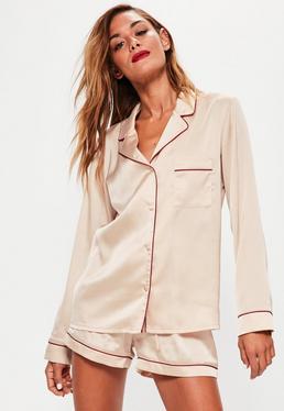 Satin Pyjama-Schlafanzug mit Kontrast-Paspelierungen in Nude