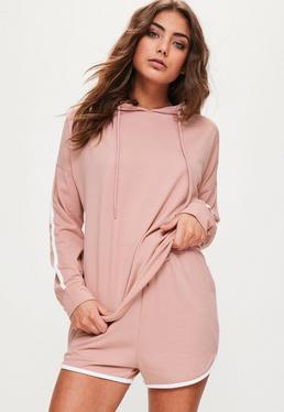 Różowy komplet piżamowy z paskami i kapturem