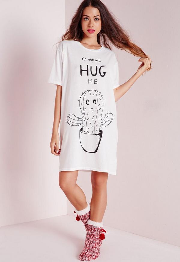 No One Will Hug Me Slogan Nightshirt White