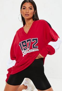 Czerwona bluza z nadrukiem 1972