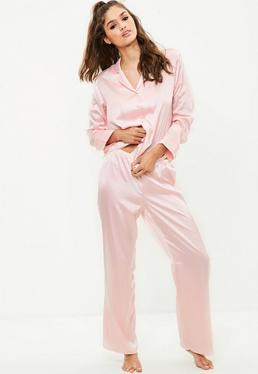 Pijama de satén en rosa