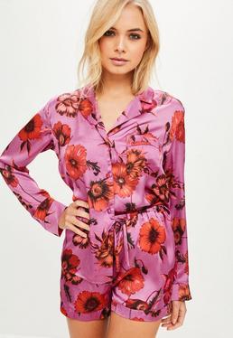 Różowa krótka satynowa dwuczęściowa piżama w kwiaty