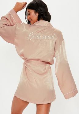 Розовый атласный халат для подружек невесты с вышивкой