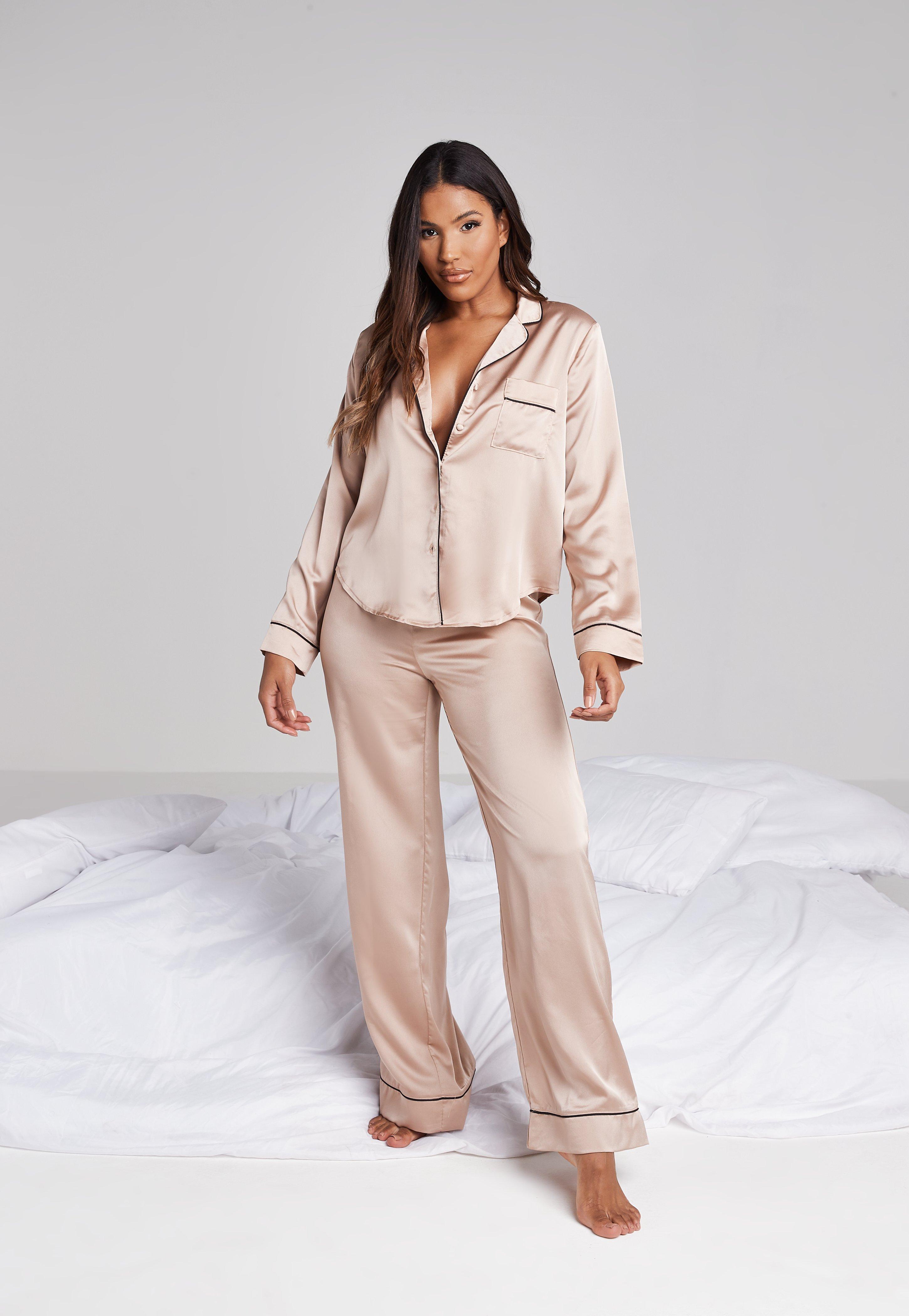 enfant en présentant doux et léger Ensemble pyjama en satin rosé chemisier et pantalon