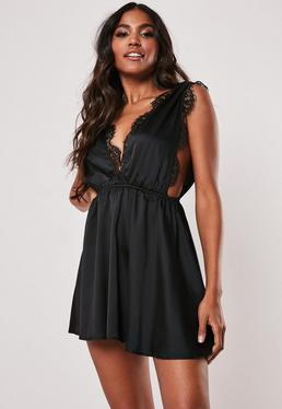 Черное атласное вечернее платье с кружевной отделкой