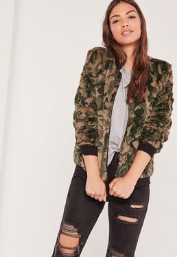 Fake-Fur-Bomberjacke in Camouflage