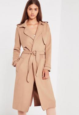 Manteau ceinturé en suédine nude à bords bruts