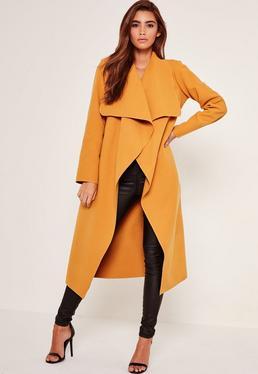 Manteau oversize drapé jaune moutarde