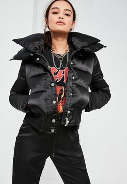 Czarna krótka watowana satynowa kurtka