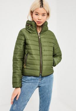 Puchowa kurtka z chowanym kapturem w kolorze khaki