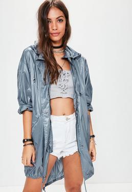 Niebieska metaliczna kurta przeciwdeszczowa