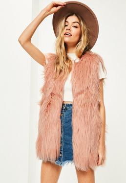 Chaleco de pelo sintético rizado en rosa