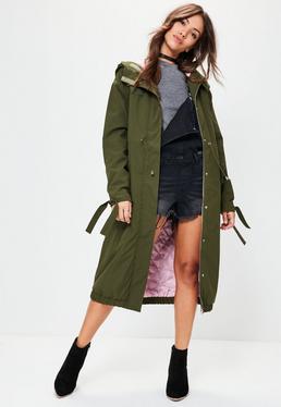 Długa kurtka parka z kontrastująca podszewka w kolorze khaki