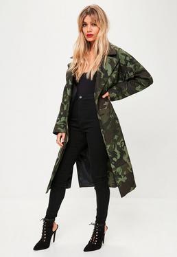 Zielony długi płaszcz moro