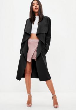 Czarny kaskadowy długi płaszcz
