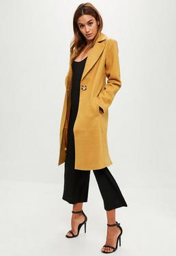 Abrigo largo de lana en amarillo