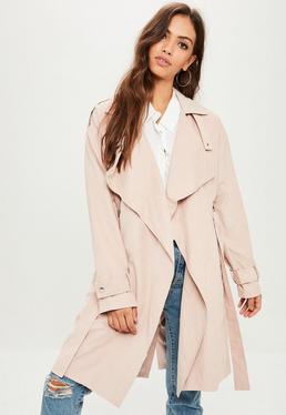 Różowy płaszcz trencz