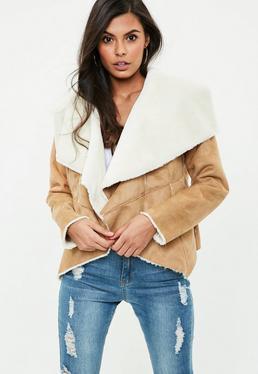 Brązowa kaskadowa kurtka z futerkiem