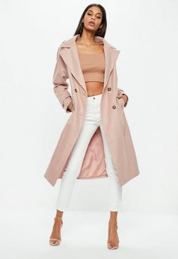 Różowy długi płaszcz