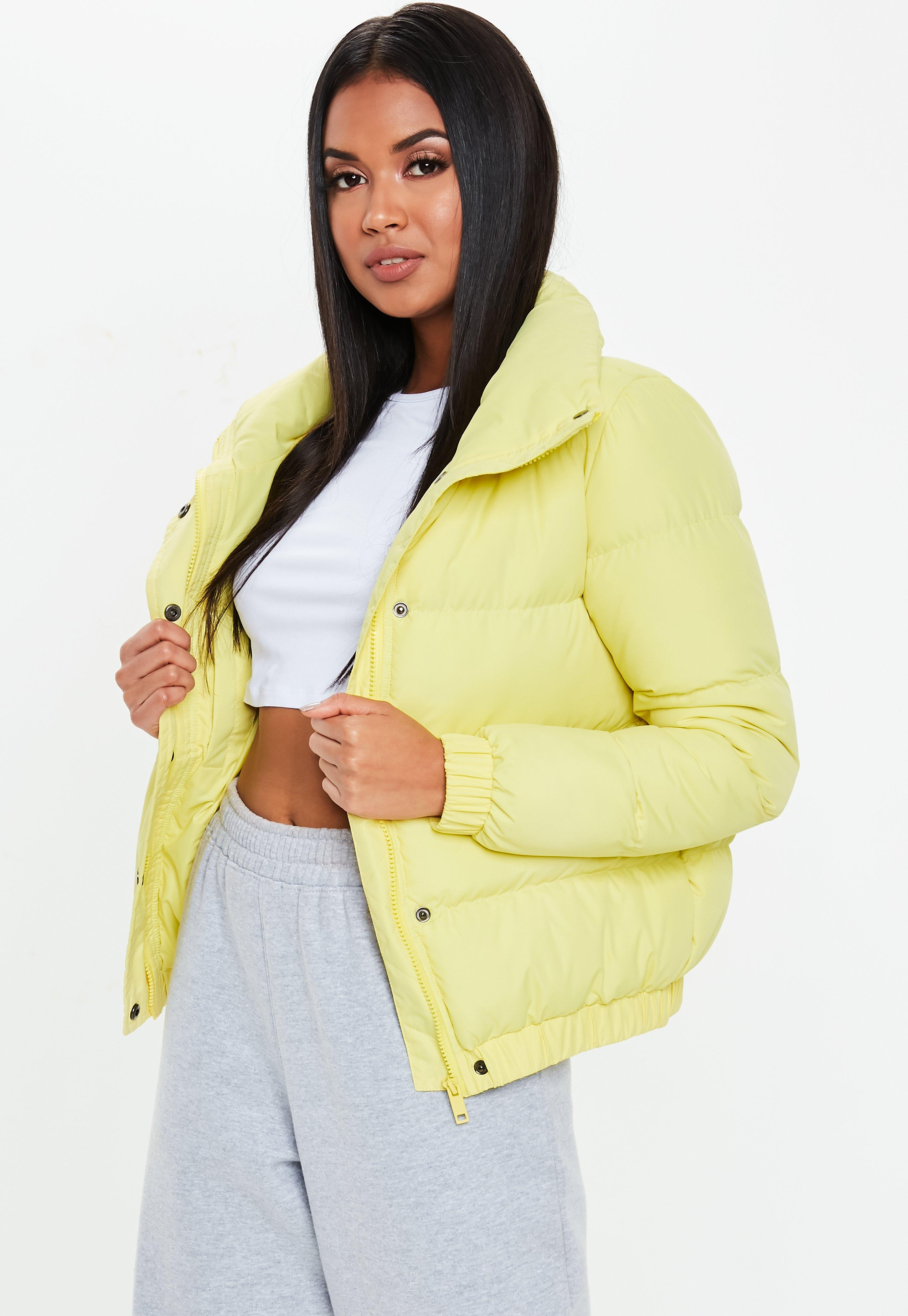 Veste courte jaune pale