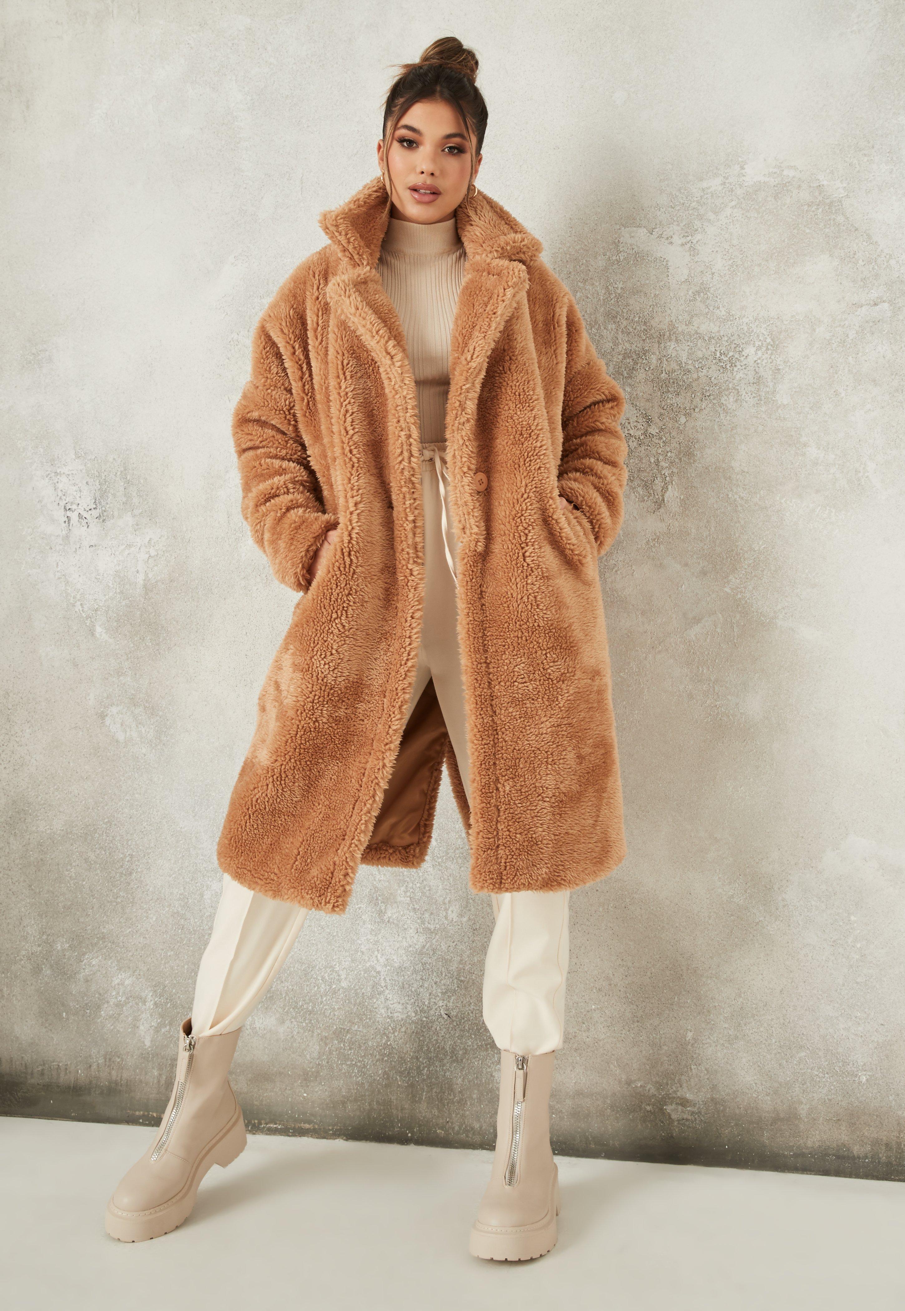 farblich passend Super Qualität erstklassige Qualität Oversize Teddyfell-Mantel mit Taschen und Gürtel in Hellbraun
