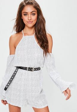 Weißer Cold-Shoulder Pünktchen Playsuit