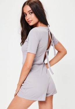 Gerippter Playsuit in Grau
