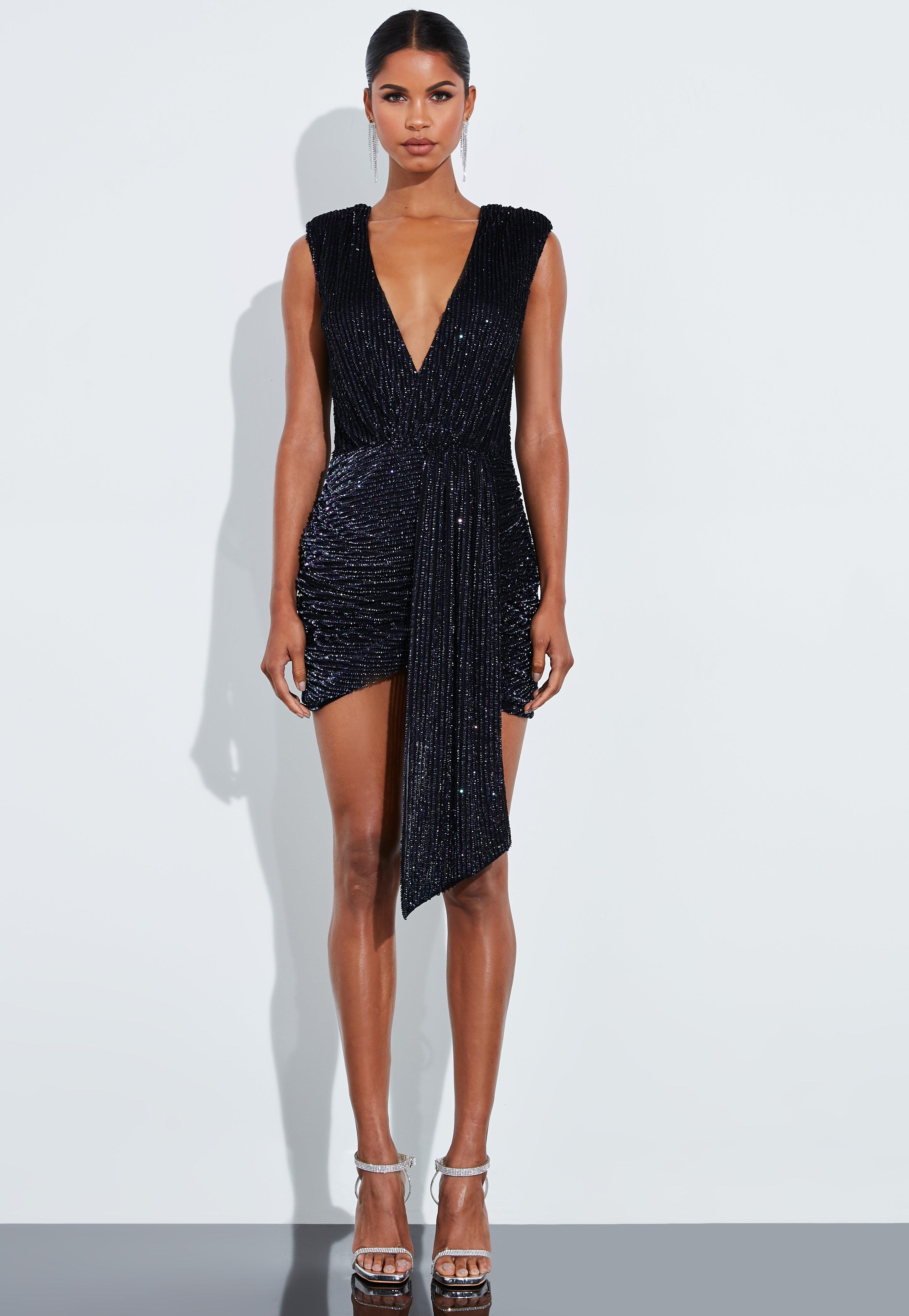 online store 565dd 67bad Peace + Love Drapiertes Mini-Wickelkleid mit tiefem Ausschnitt und  Pailletten in Schwarz