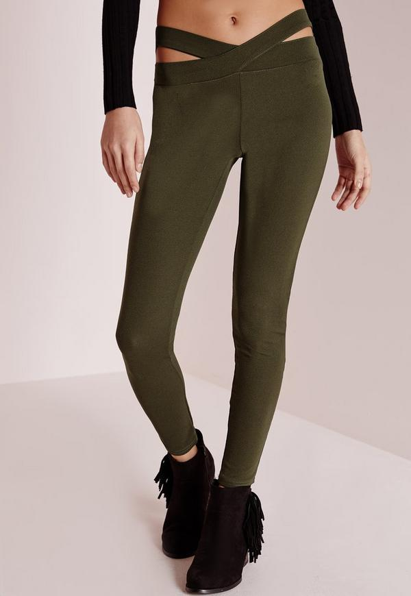 While we refute the idea that leggings shouldn't be worn beyond the confines of one's own apartment, the age-old question of what to wear with leggings remains. On the one hand, you could go.