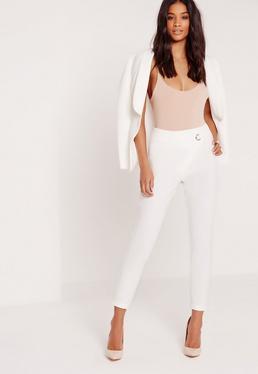 Pantalon taille haute blanc avec œillet métallique