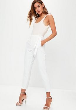 Pantalones de cintura alta de crepé con cinturón anudado blancos