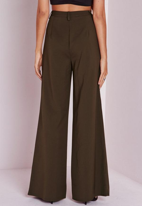 However, not all wide legged pants are created equal. Some examples are: