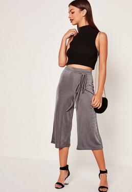Pantalon culotte gris effet soyeux