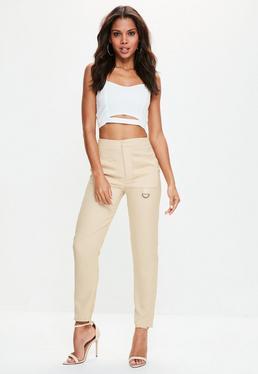 Beżowe satynowe spodnie cygaretki z kieszeniami