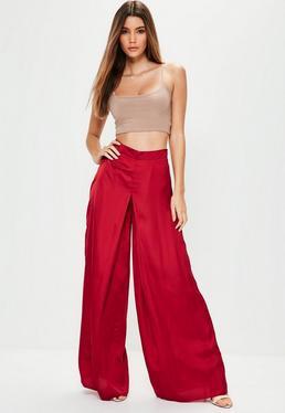 Pantalon large rouge en satin taille plissée