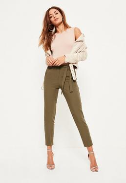 Pantalon ceinturé en crêpe vert kaki