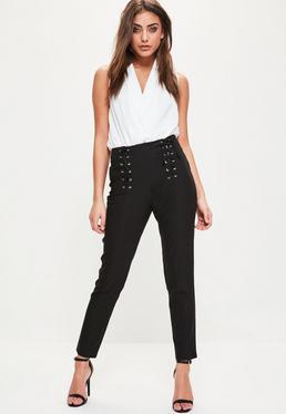 Czarne spodnie cygaretki z gorsetowymi wiązaniami