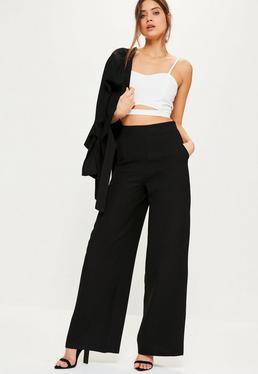 Weitbeinige Marlene-Anzug-Hose aus Kreppstoff in Schwarz