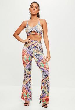 Fioletowe spodnie w apaszkowy wzór