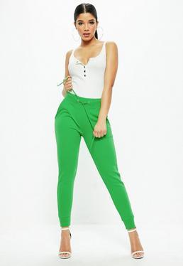 Pantalón de chándal con cordones de ajuste en verde