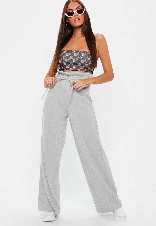 ... Pantalons    Jogging large gris taille plissée. Précédent Suivant 2052f1c03e5c