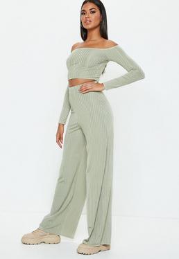 Pantalon large noir détails ceinture et oeillets · Pantalon large vert  clair rainuré a26bed882b1