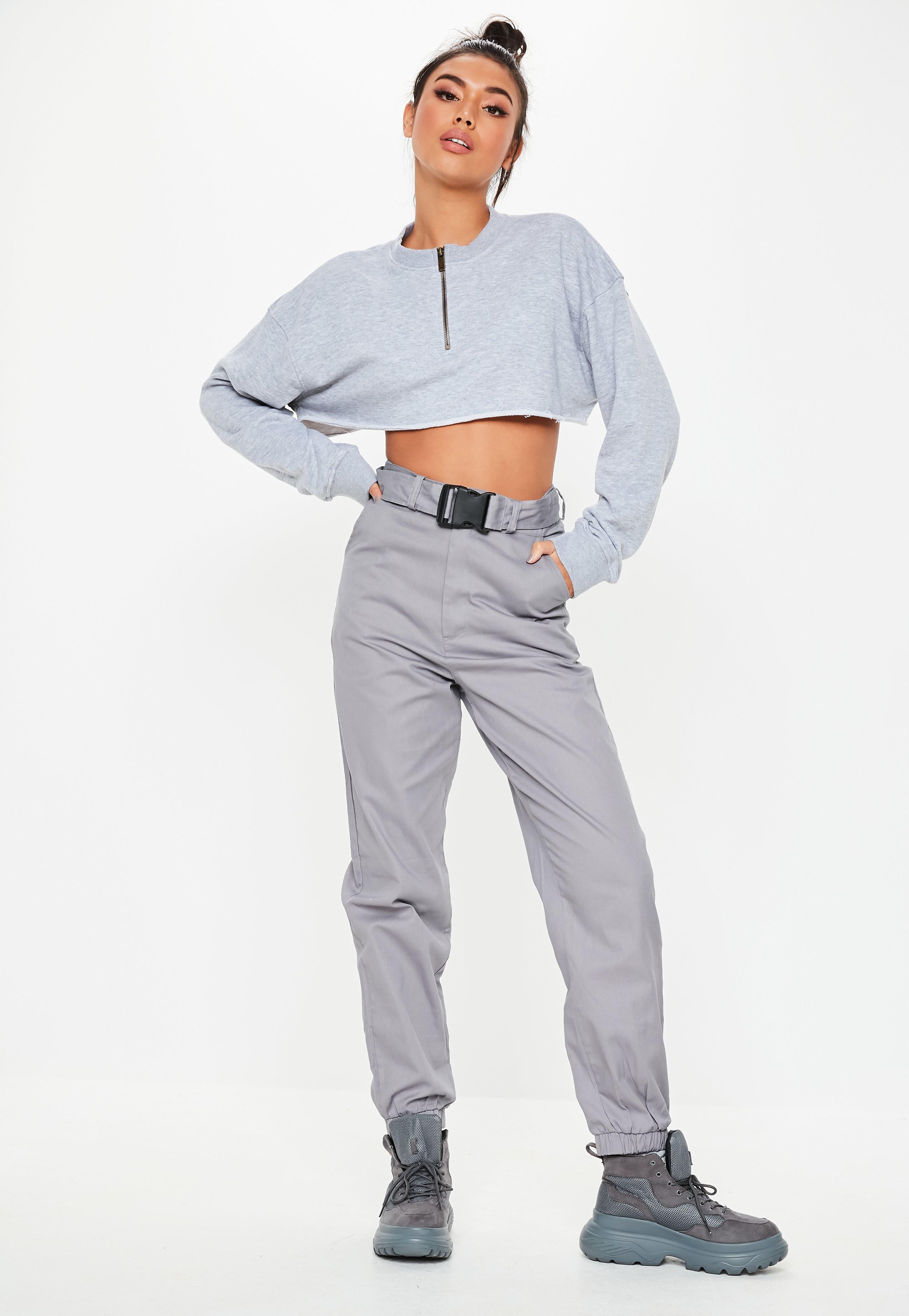 905000aed5e92 Pantalon style jogging gris à ceinture | Missguided