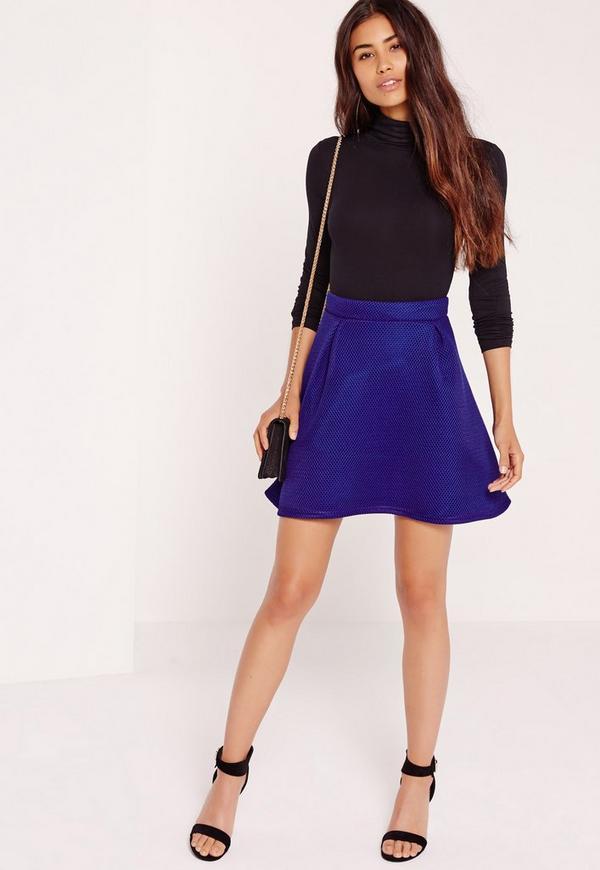 Minifalda de corte amplio de malla premium azul cobalto   Missguided