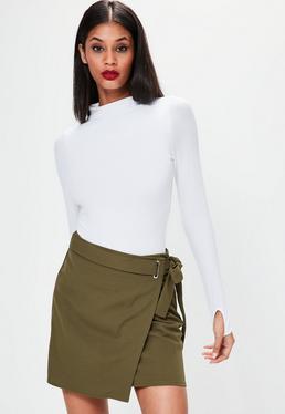 Mini jupe kaki en crêpe avec ceinture à la taille