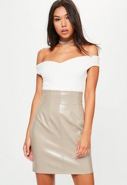 Mini falda de cintura super alta en cuero sintético gris