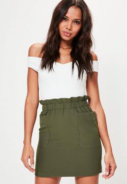 Mini-jupe vert kaki taille plissée avec poches